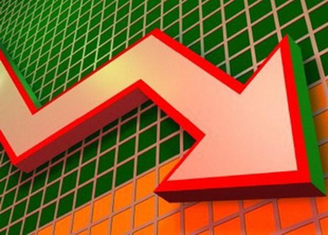 Bluechips bị bán mạnh, VN-Index xuống 461 điểm