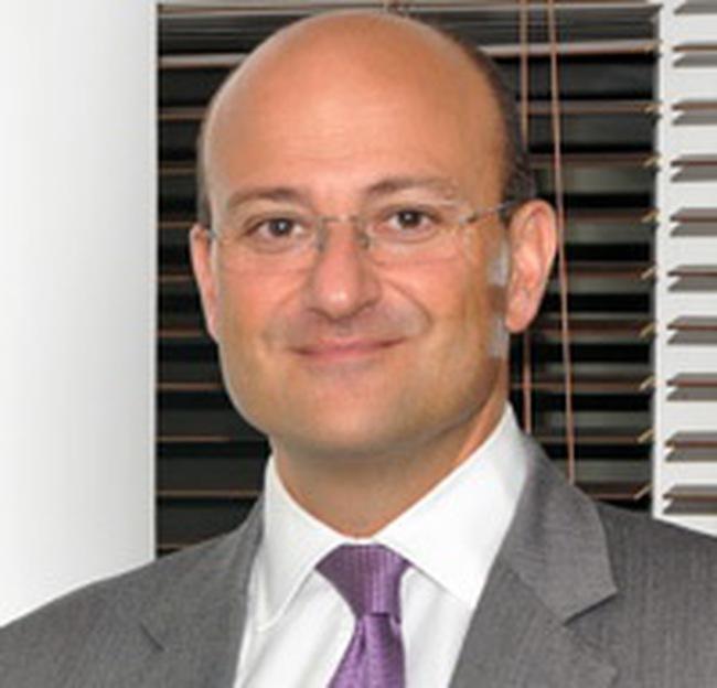 TGD Standard Chartered Bank: Ngân hàng sẽ phải 'kỹ tính' hơn trong năm 2011