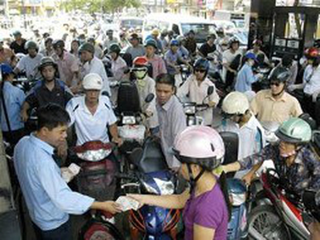 Bộ Tài chính: Giá xăng dầu VN vẫn thấp hơn khu vực từ 2.300 - 5.000 đồng/lít
