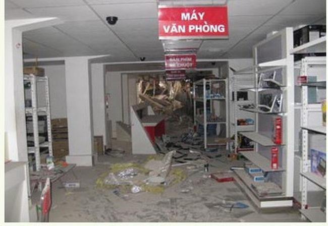 Sập nhà 5 tầng, Đăng Khoa thiệt hại 30 tỷ đồng