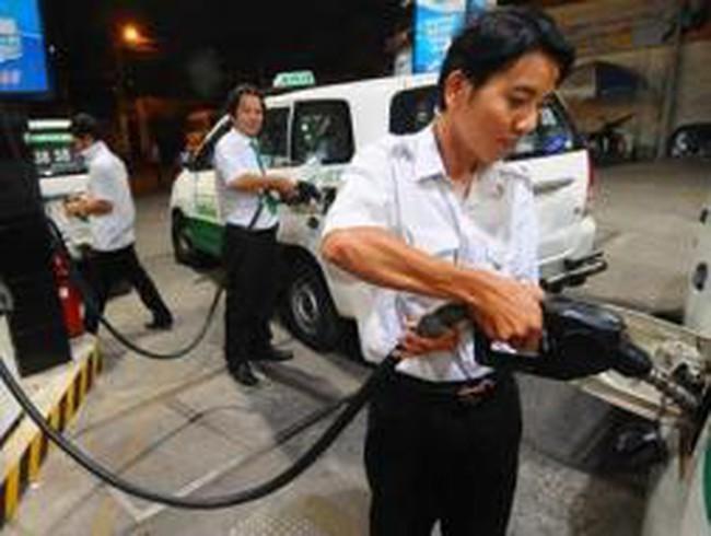 Uẩn khúc giá xăng dầu
