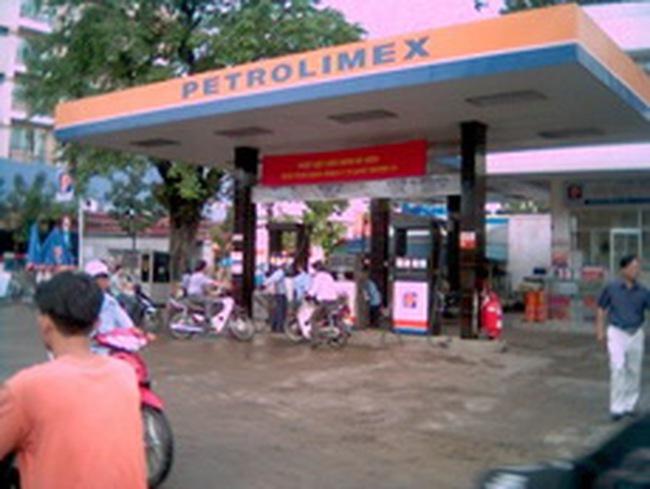 """Quý I/2011 lỗ hơn 2.600 tỉ đồng, Petrolimex xin """"cơ chế đặc biệt"""""""
