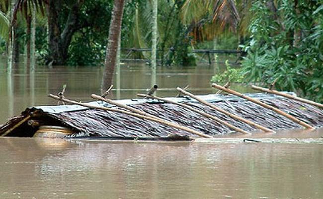 Ngành nông nghiệp và du lịch Thái Lan chịu ảnh hưởng nặng nề bởi bão lụt