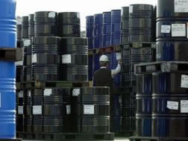 Giá dầu thô sẽ vững trên 100 USD/thùng