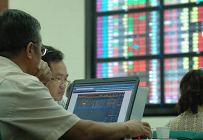 10h30: Thị trường bứt phá, SSI, PVF tăng trần