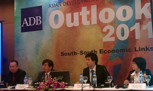 ADB dự báo kinh tế Việt Nam năm 2011 tăng trưởng 6,1%