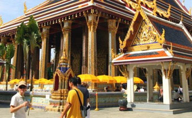 Xuất khẩu và du lịch thúc đẩy kinh tế Thái Lan phát triển