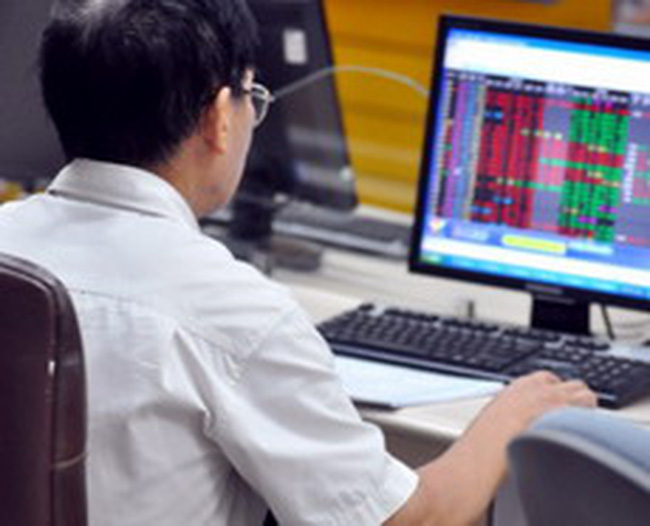 Tăng thanh khoản: Thị trường chờ đợi biện pháp của cơ quan quản lý