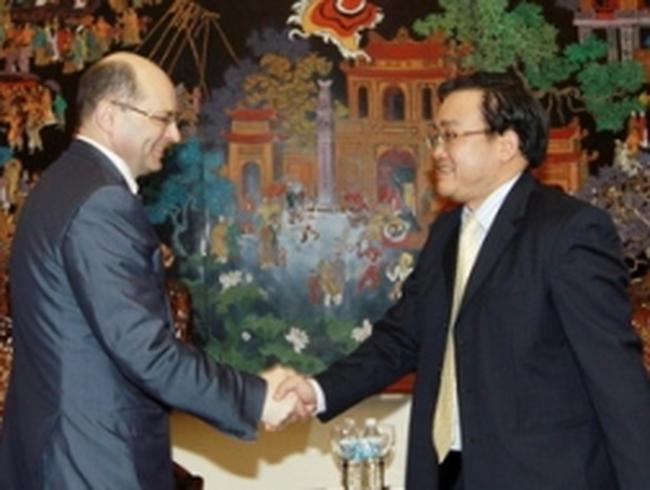 Việt-Nga đẩy mạnh hợp tác về công nghiệp nặng