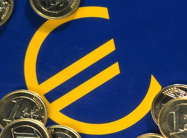 ECB nâng lãi suất cơ bản đồng euro lần đầu tiên trong 3 năm