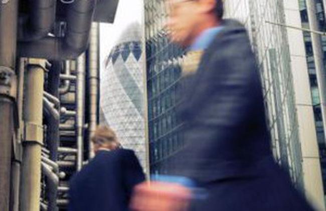 Dow Jones lên mức cao nhất trong 3 năm