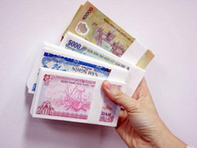 Nộp tiền lẻ vào ngân hàng phải mất phí