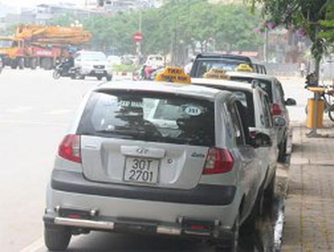 Taxi Hà Nội đồng loạt tăng giá cước