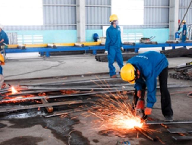 Cắt giảm đầu tư công để tập trung vốn vào các công trình thiết yếu
