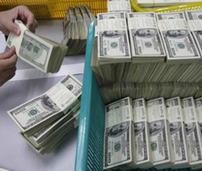 Từ thị trường USD tự do nghĩ về chính sách tỷ giá