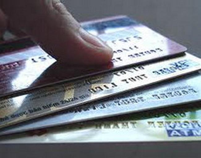 Thẻ ngân hàng: Nhiều nhưng chưa tiện ích