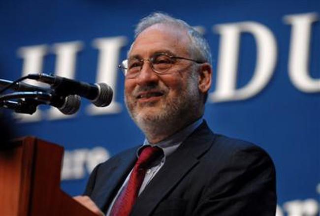 Joseph Stiglitz cho rằng cần có đồng tiền dự trữ mới để cân bằng thế giới