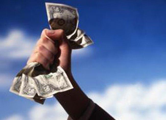 """Nước Mỹ phải trả giá đắt khi đồng USD ở """"ngôi vua"""""""