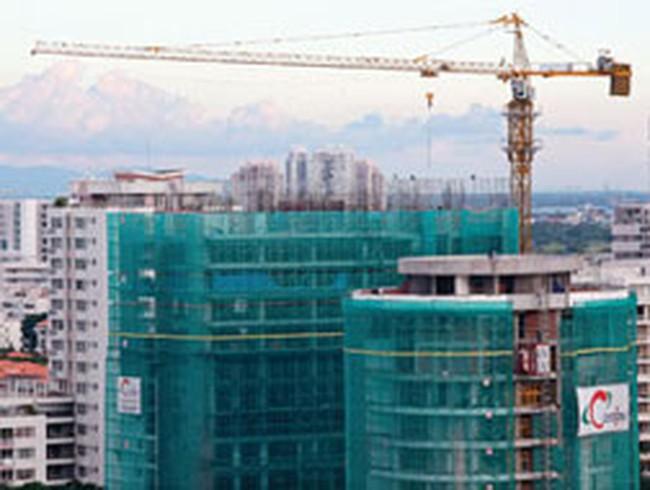 Thị trường căn hộ tại TP.HCM: Cung lớn nhưng vắng người mua