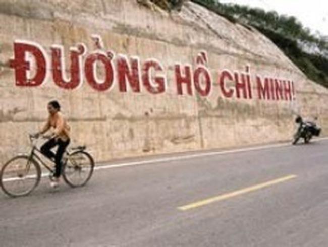 Tiếp tục đầu tư xây dựng đường Hồ Chí Minh