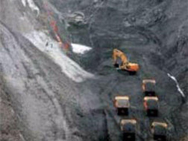 Đẩy mạnh tiêu thụ than và khoáng sản
