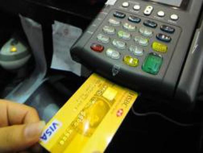 Thanh toán ở nước ngoài: Tiện lợi khi dùng thẻ