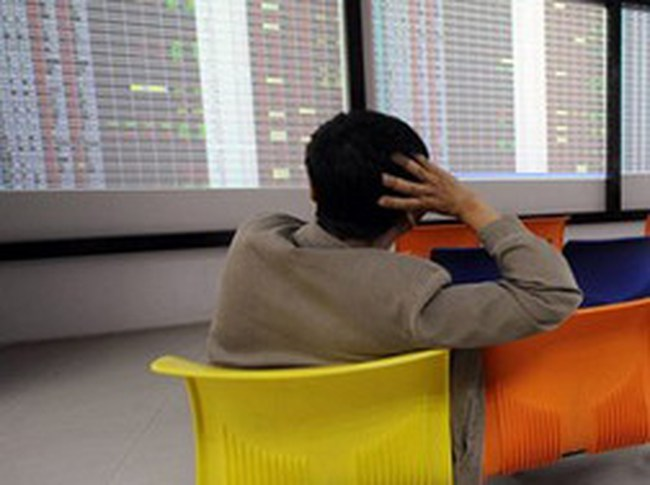 Nâng phí hỗ trợ chứng khoán: Thị trường thêm khó