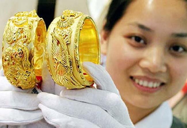 Barclays Capital: Nhà đầu tư thế giới đổ tiền vào vàng trong tháng 3/2011