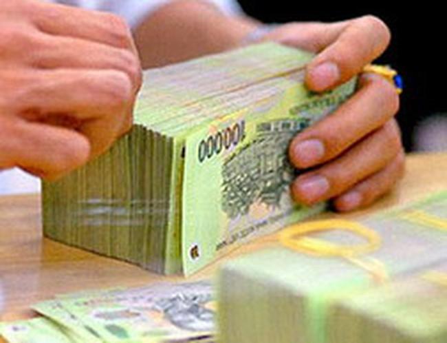 Lãi suất liên ngân hàng giảm nhẹ, doanh số giao dịch VND xuống dưới 100.000 tỷ đồng