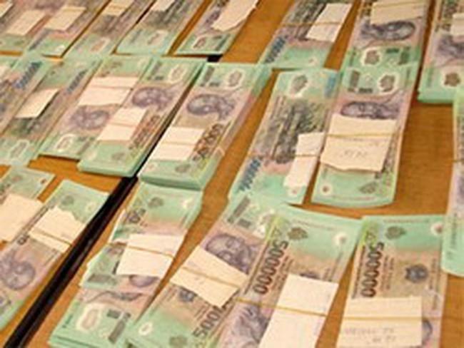 ATM 'thích' nhả tiền 500.000 đồng