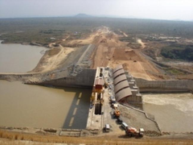Hồ cạn, các thủy điện giảm công suất phát điện