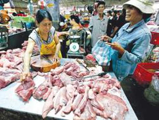 Thịt heo lên giá: Phần do đầu vào, phần bù rủi ro