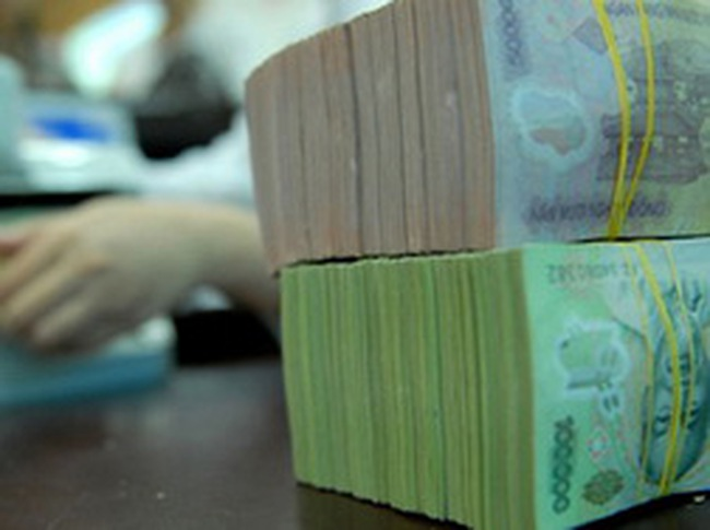 Tuần đầu tháng 5: Lãi suất liên ngân hàng USD kỳ hạn 6 tháng tăng 1% so với tuần trước đó