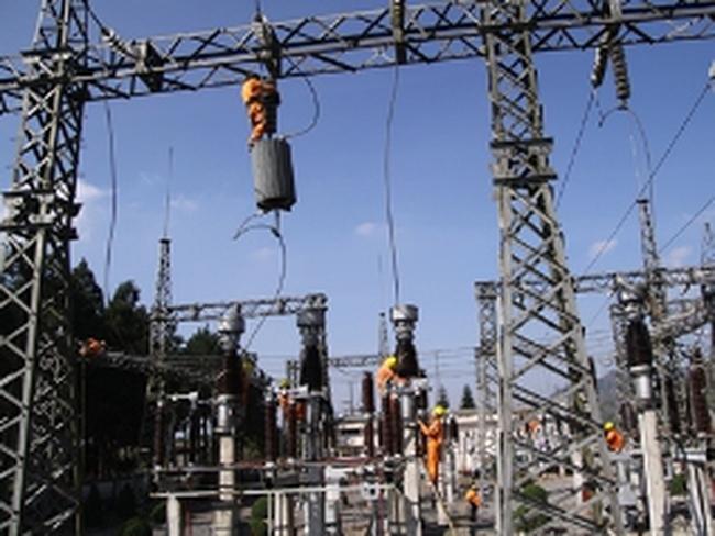 EVN hứa cấp đủ điện trong 6 tháng cuối năm
