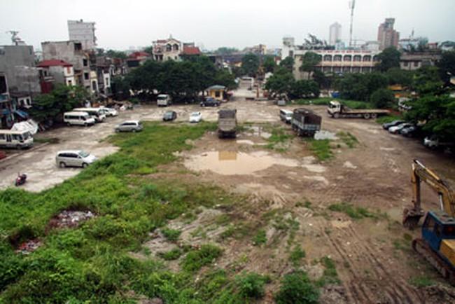 Hà Nội: Lãng phí đất hoang giữa lòng thành phố