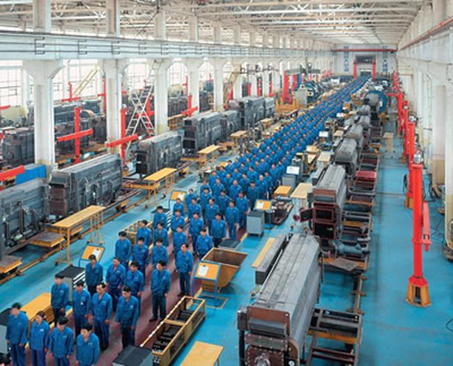 Sản xuất Trung Quốc sụt giảm xuống mức thấp nhất trong 28 tháng