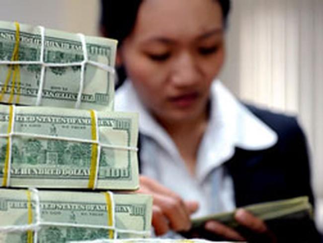 Ngân hàng tích cực tìm kiếm khách vay, giảm lãi suất