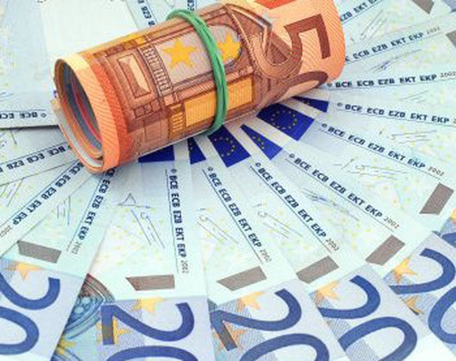 ECB nâng lãi suất cơ bản đồng euro