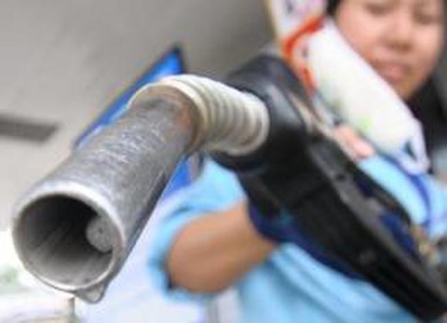 Chưa mơ giảm giá xăng dầu?
