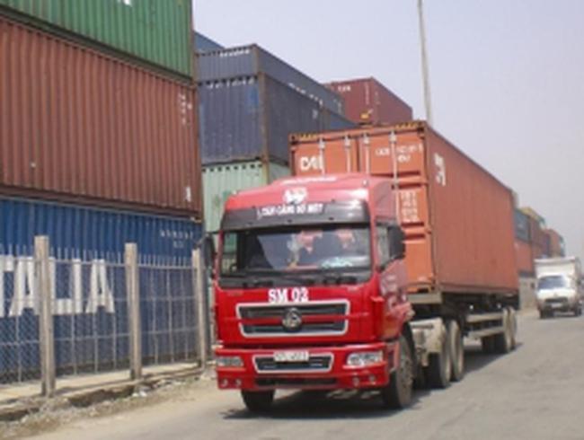 Nhiều container cao su xuất khẩu bị rút ruột
