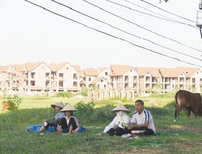 Hàng chục dự án bất động sản… bất động