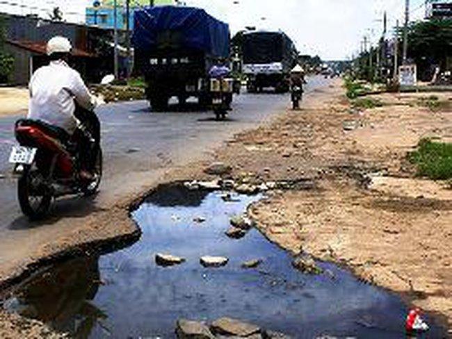 Vận chuyển bauxite: Bộ GTVT và TKV ''đẩy'' trách nhiệm sửa đường