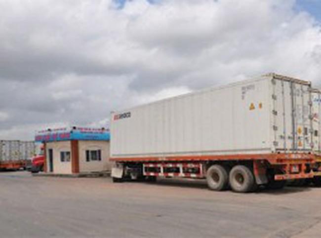 Gần 1.000 container hàng đông lạnh tắc tại cửa khẩu Móng Cái