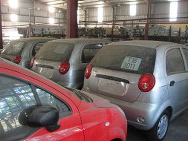 720 ôtô van nhập khẩu đối mặt với nguy cơ truy thu thuế