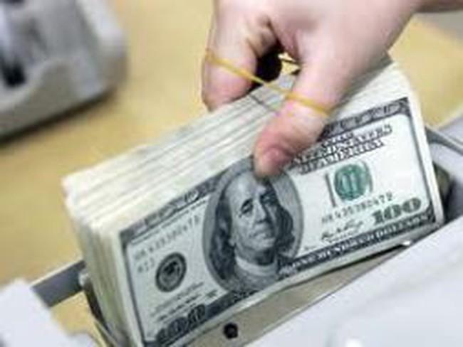Ngân hàng nhìn nhau, lãi suất huy động USD khó giảm