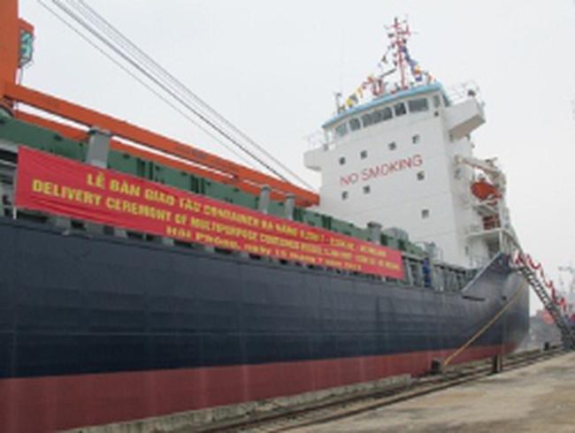Bàn giao tàu 9.200 tấn cho CHLB Đức