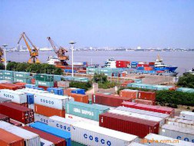 Hải Phòng: Xem xét thu phí hàng tạm nhập tái xuất