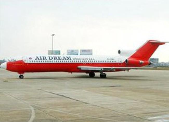 Máy bay vô chủ ở Nội Bài có thể đem đấu giá