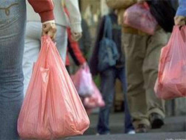 Túi nylon sẽ chịu thuế môi trường cao nhất