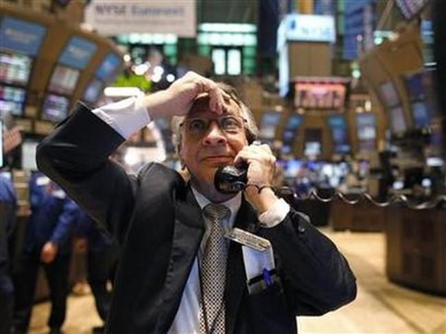 Dow Jones tăng vọt hơn 200 điểm